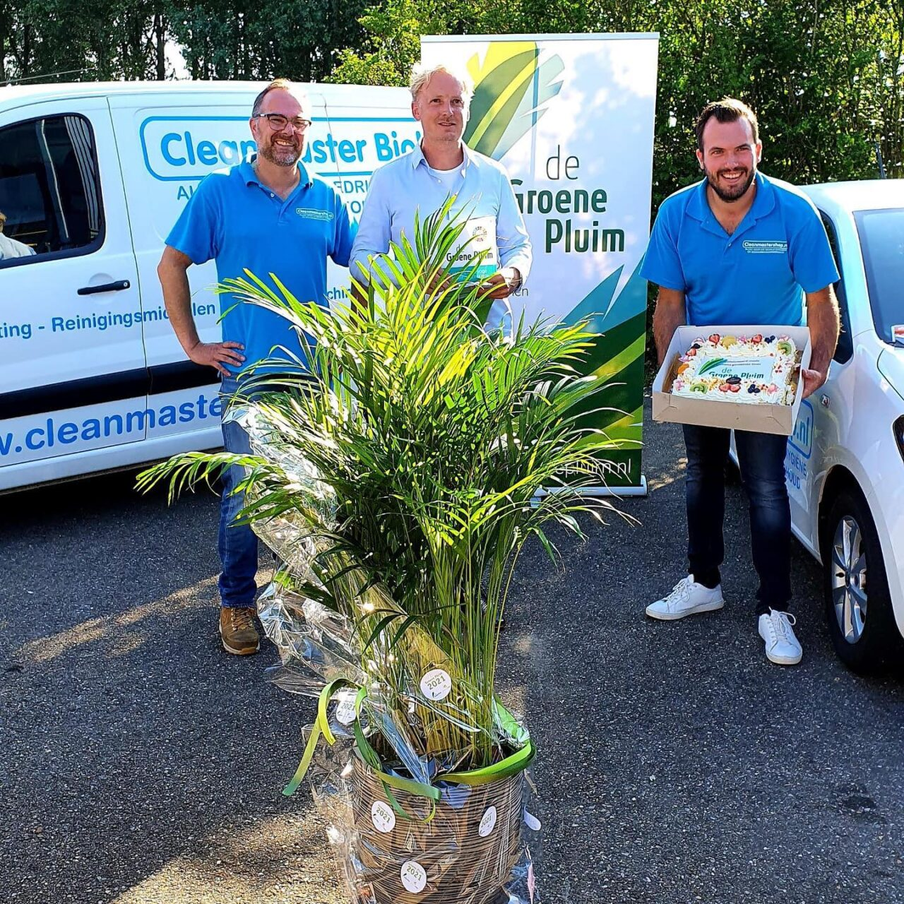 Het Cleanmaster Biolux team ontvangt de Groene Pluim